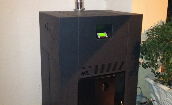 MZ Idro Box 32kW ατομική μονάδα πέλλετ σε μονοκατοικία στη Βέροια