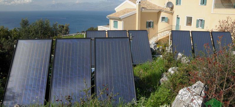 Ηλιοθερμικό Σύστημα Helional για υποβοήθηση ενδοδαπέδιας θέρμανσης και ζεστά νερά χρήσης στη Κέρκυρα.
