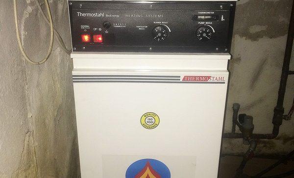 Thermostahl Eco TS 23kw ατομική μονάδα πετρελάιου στο Σταυρό